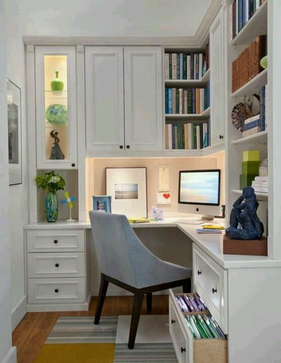 Linda oficina en casa!!! ; )