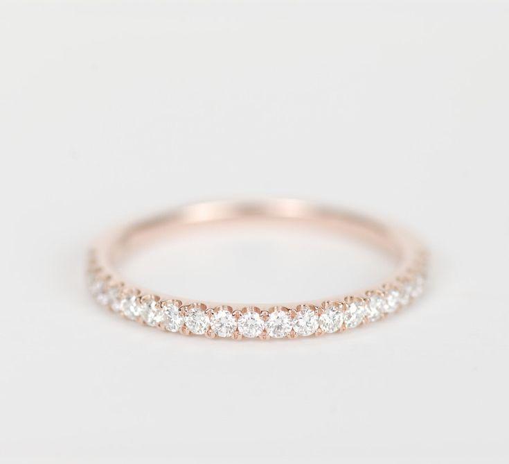 1.5 mm Diamond Wedding Band 14K Rose Gold