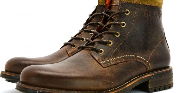 Ανδρικό μποτάκι του οίκου μόδας Boss shoes, συνδυασμένο εξωτερικά από δέρμα, με εσωτερική δερμάτινη επένδυση, μαλακό πάτο και αντιολισθητική σόλα από λάστιχο, η οποία προσφέρει άνεση στην καθημερινότητα σας. Διατίθεται σε χρώμα μαύρο και καφέ.