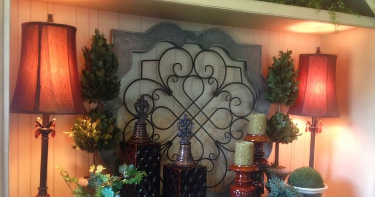 The Tuscan Home is a decorating blog that focuses on Tuscan Style Design, as well as holiday and seasonal decorating.