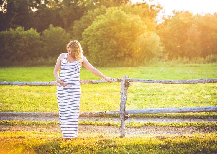 La séance Maternité se déroule idéalement entre les 34e et 37e semaines de grossesse. Séance photos d'une durée de 1h-1h30 En studio, à domicile ou à l'extérieur dans un endroit de votre choix ($ supplémentaires pour le déplacement*) Le tout comprend 15 photos retouchées remises numériquement. *Les frais de déplacement sont calculé selon la distance …