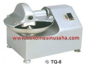 Mesin Pemotong Daging atau Bowl Cutter bisa digunakan untuk memotong daging atau sayuran dengan sangat cepat yaitu sampai dengan 80-1.000 kg/ jam Bowl Cutter TQ-8 : Dimensi (mm) : 800 x 550 x 550 Watt : 750 Voltage : 220V/50HZ/1P Kapasitas produksi (kg/jam) : 120 Volume : 8 L Berat : 90 Kg