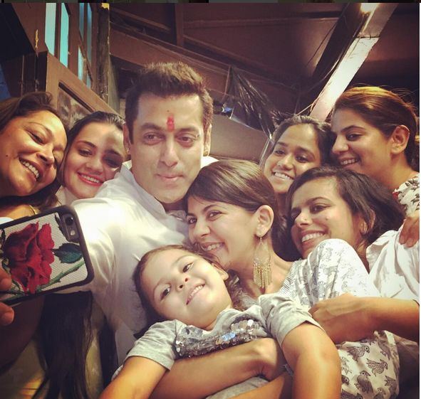 Oh wow! Salman Khan clicks a selfie with his Sisters on Raksha Bandhan!