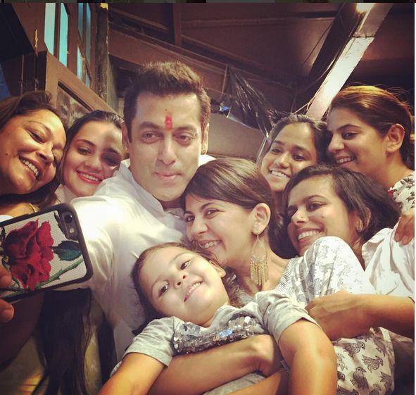 Oh wow! Salman Khan clicks a selfie with his Sisters on Raksha Bandhan!