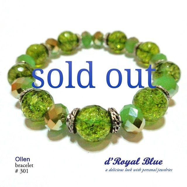 #soldout #limited #bracelet #brandlokal #buatanindonesia #handmadejewelry #batu #ibuibu #wanitakarir #wanita #cewek #hijau #hijaboutfit #hijabaccessories #aksesoris #aksesorishandmade #aksesorishijab