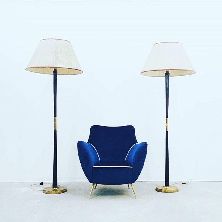 Between two lamps  Via @midcentury247:🔴 ПРО КРЕСЛА В НАЛИЧИИ ВЫ ЗНАЛИ, А ТЕПЕРЬ ЗНАЕТЕ И ПРО ЛАМПЫ 🔴#midcentury247 #midcentury_hub #vintage #loft #interior #interiordecor #interiordesigner #interiorinspiration #midcenturymodern #midcentury #midcenturydesign #design #designer #furniture