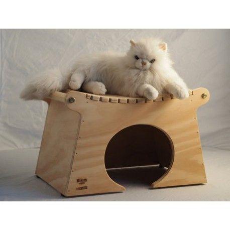 Cuccia Pagoda Indoor - taglia XXL - Blitzen La cuccia per interni è ideale per gatti grossa  taglia (peso indicativo oltre 8 kg) e per cani di piccola corporatura.  Misure:  altezza cm 37, larghezza cm. 56, spessore cm. 38, la porta è alta 24 cm. e larga 27, spessore 1,5 cm - viene consegnata già montata.  E' possibile personalizzare la cuccia gratuitamente con il nome del proprio animale