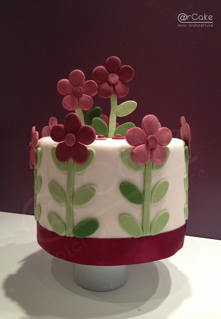 #flowers cake #cakedesign #@rcake   www.arcake.it  http://www.facebook.com/pages/rcake/275124219229785
