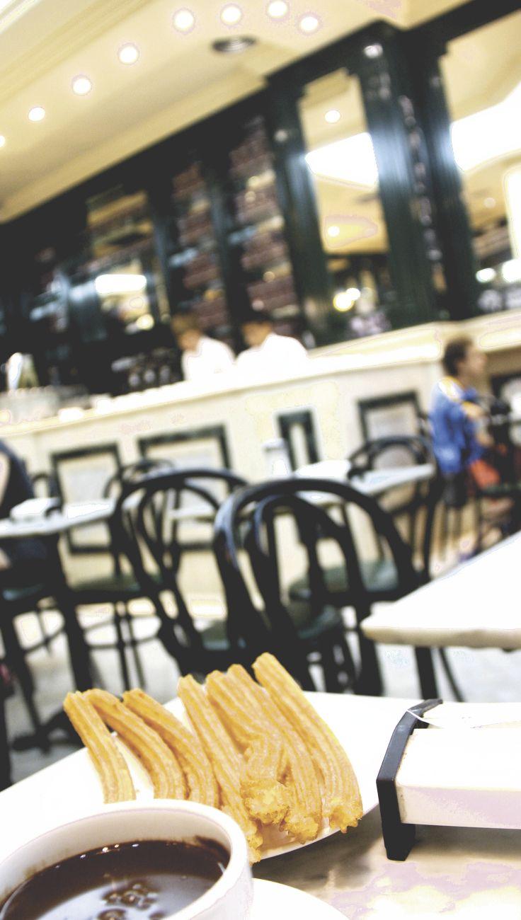 Die besten Churros in Madrid: im Café San Gines!