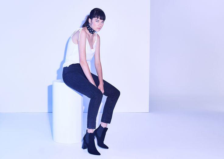Insight Tina Crop | $99.99 #webleedblue #generalpants #momjean #insight51 #90sstyle