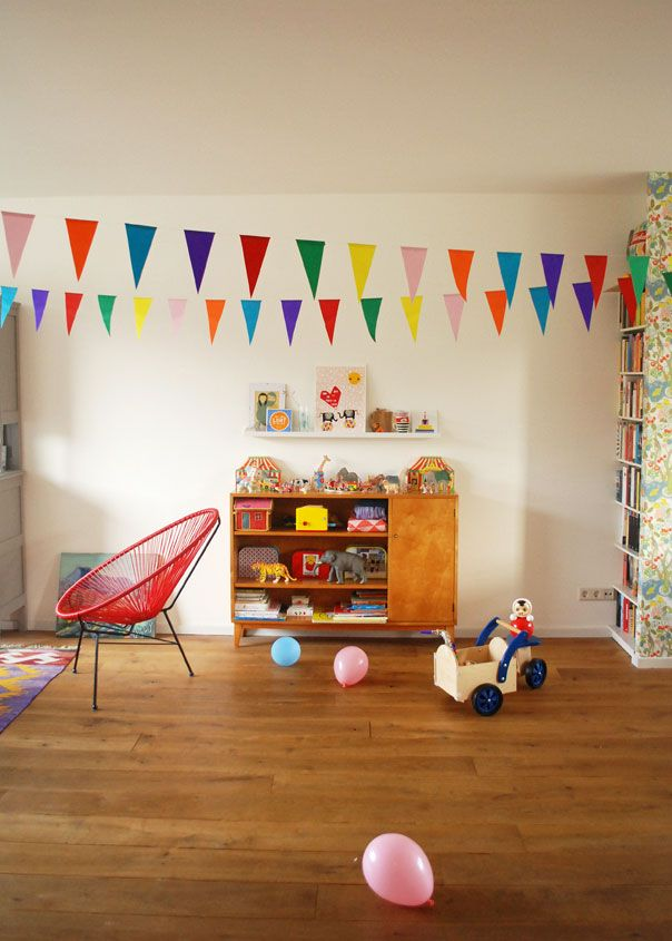 Child's room, G-plan style. ninainvorm.punt.nl