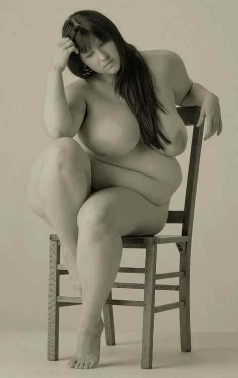 Figure drawing pose reference - overweight woman sitting