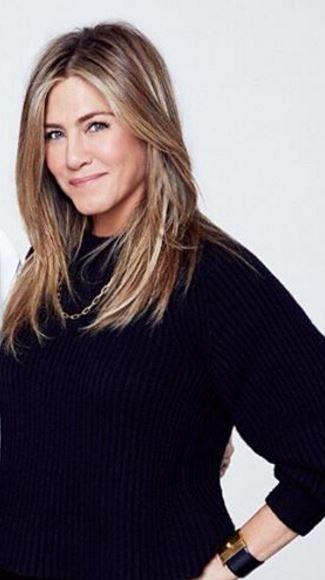 Who made  Jennifer Lopez's black ribbed sweater?