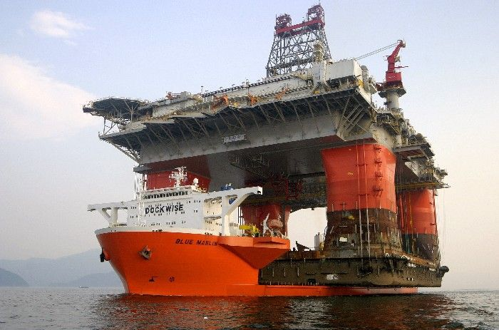 Oil Rig In Transit | Oil & Gas and Marine #offshore #beauty #engineering Shared by Winston Ang https://sg.linkedin.com/pub/winston-ang/2b/352/a18