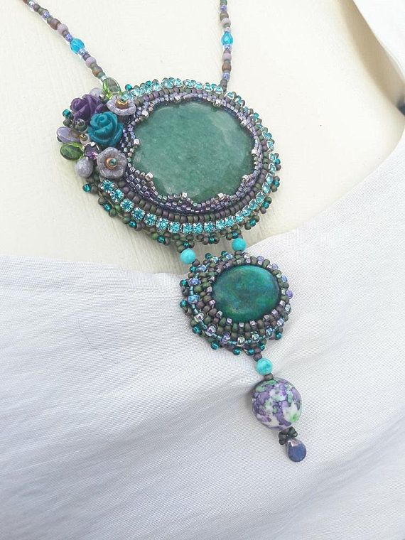 Bead embroidered cabochon pendant necklace