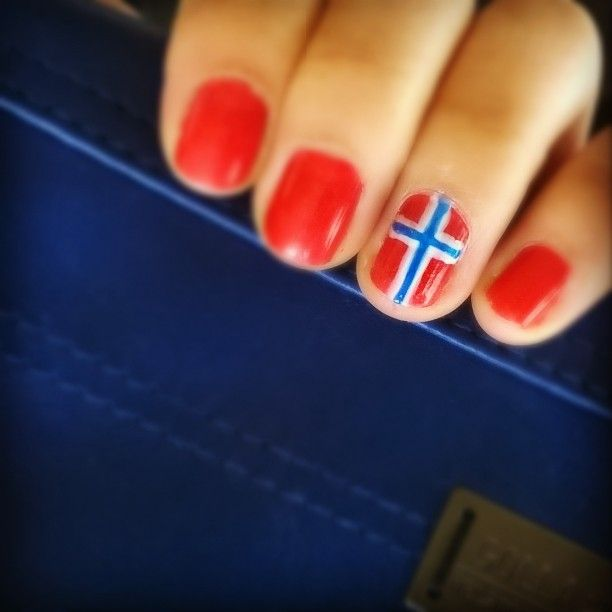 #nails #nailpolish #red #white #blue #flag #Norwegian #Norway