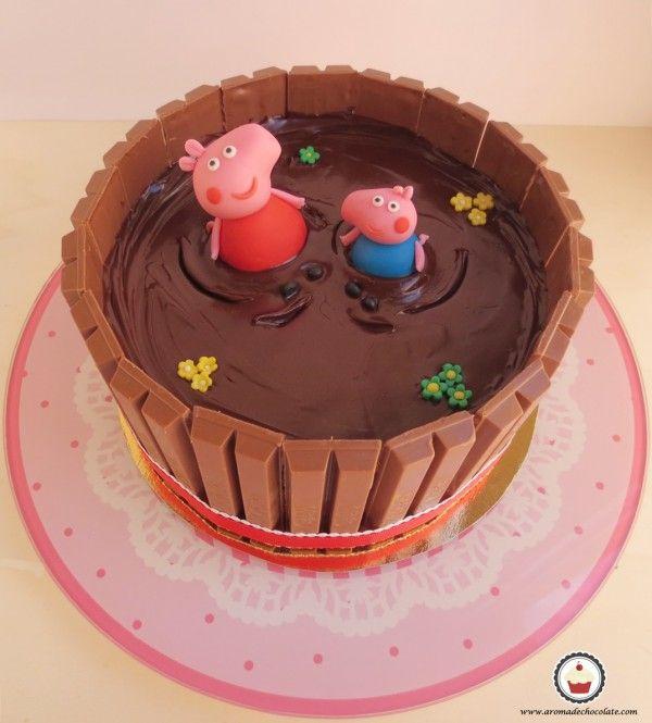 Peppa y George. Tarta Peppa pig. Aroma de chocolate.