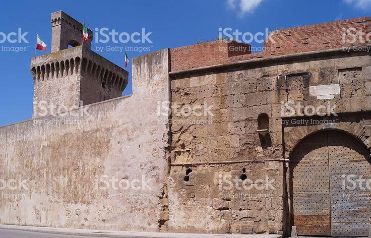 https://secure.istockphoto.com/photo/torrione-rivellino-piombino-tuscany-italy-gm522477936-91655059