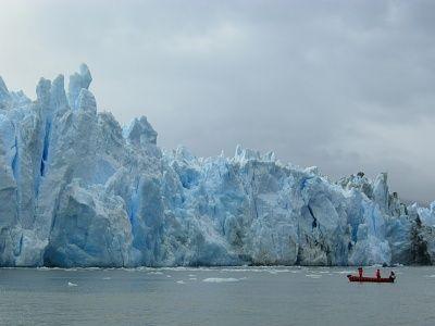 El Glaciar Pío XI, también conocido como Glaciar Brüggen, se ubica en el sur de Chile, Región de Magallanes. Es el glaciar más grande de Sudamérica y su acceso es complicado, sólo se puede llegar por mar. La mejor época para visitar este hermoso glaciar es entre los meses de noviembre a marzo.