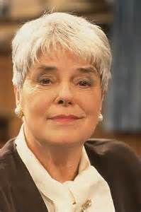 Ina van Faassen; fantastische actrice. Echtgenote van Ton van Duinhoven en is ook helaas overleden. Werkte ook in een show van Wim Sonneveld: hilarisch!