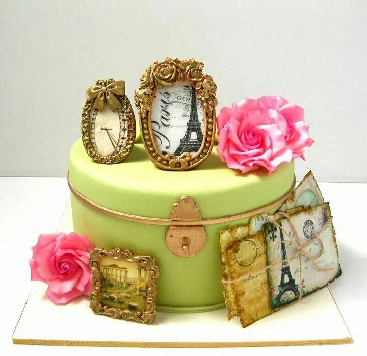 Cake with photos in frames by taarten decoreren