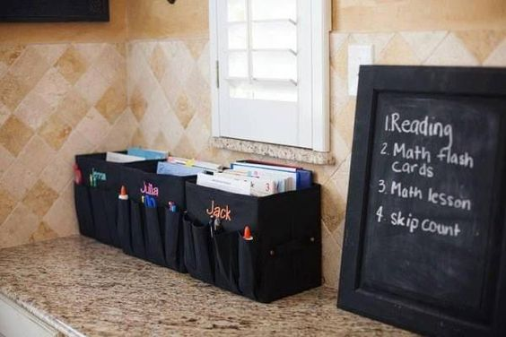 Do you homeschool? Work from home? Just need organized? Check these out ...Fold N' Files! Can hold hanging file folders or even all your crafting supplies. Keep one in your car so you're organized when you're on the go. #ThirtyOneGifts #ThirtyOne