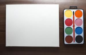 Canvas and Watercolor - Ben Richardson/Digital Vision/Getty Images