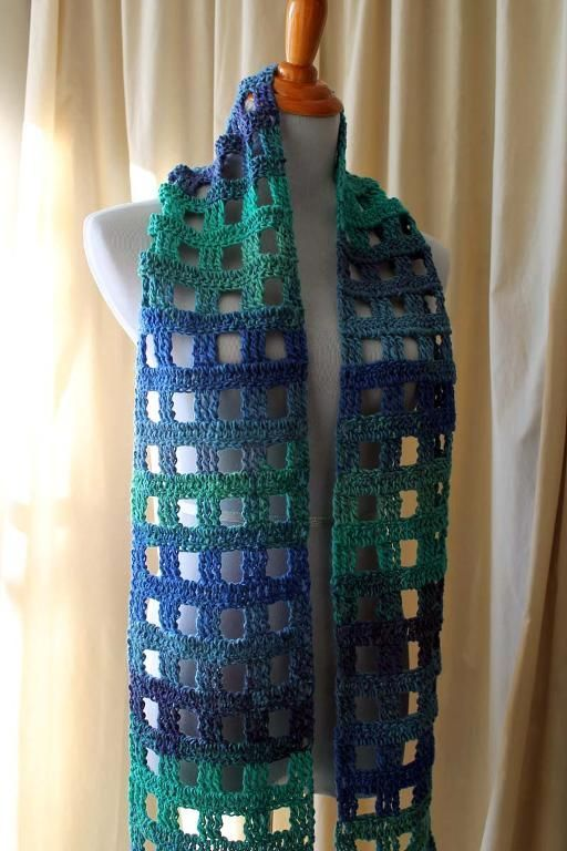 """The """"Not a Pain"""" Pane Scarf: free pattern"""