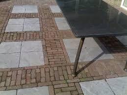 Afbeeldingsresultaat voor bestrating waaltjes betontegels