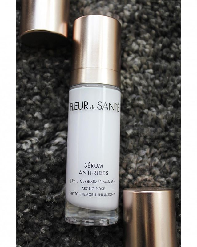 You'll love this serum's anti-wrinkle performance… With beautifully regenerated skin and your fine lines smoother in just 4 weeks (as observed by 95% of tested women)! Enjoy firm and nourished skin – observed by 100% of women! All women also noticed intensely regenerated complexion – significantly stronger and more resistant to wrinkle formation.