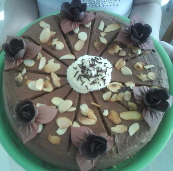 czekoladowy torcik biszkoptowy