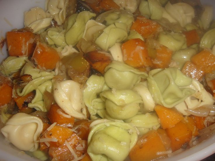 Autumn CHEESE TORTELLINI with ROASTED BUTTERNUT SQUASH, APPLES and ONIONS ** Parmesan Cheese * Herbs ** Easy to do * Unusual but very good **