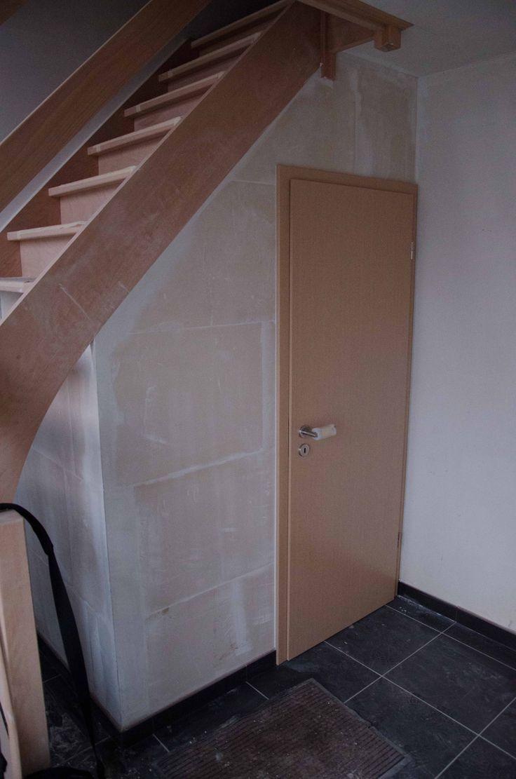 toilettes sous escaliers  Recherche Google  Escaliers