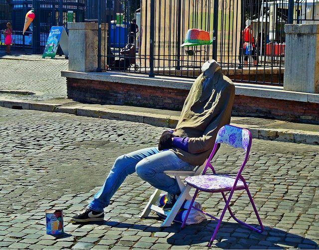 Jurnal A: artiști pe stradă