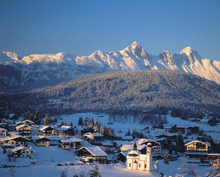 Skifahren in Seefeld: ausgezeichnet für Langläufer, gute Kinderbetreuung, großes Angebot an Wintersport-Aktivitäten. Mehr Infos im Skiführer auf snowplaza.de. #skiing