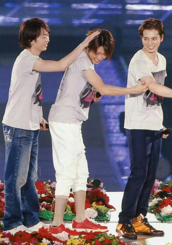 Sho's jeans..and of course the 3 dorks..