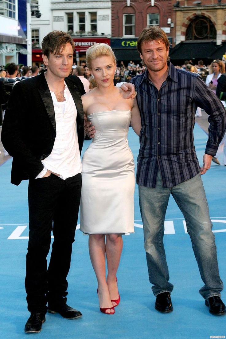 Ewan Mcgregor, Scarlett Johansson and Sean Bean at the UK premiere of The Island, August 5, 2007