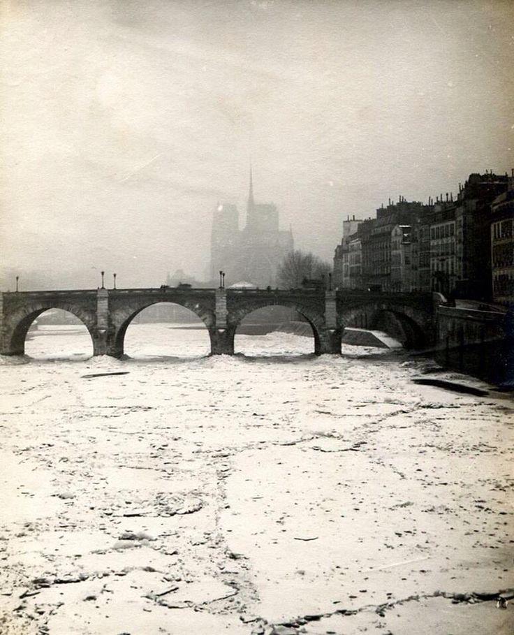 Paris la seine gelée en 1891                                                                                                                                                                                 Plus