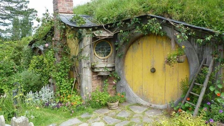 hobbit and gnome houses   Hobbit house