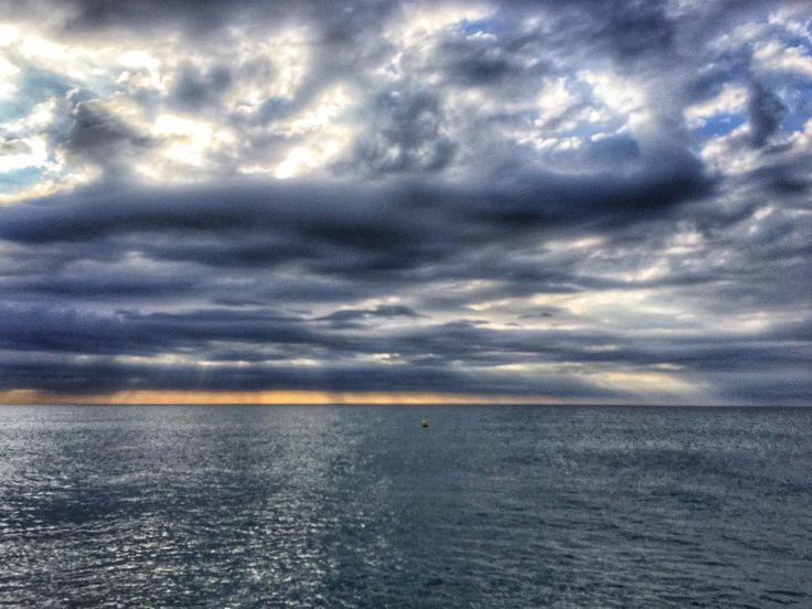 Before the storm. #clouds #luis_jardi  #luisjardi #freesound #sfxcentral #sea #seawaves #storm  #cubase #logicaudio