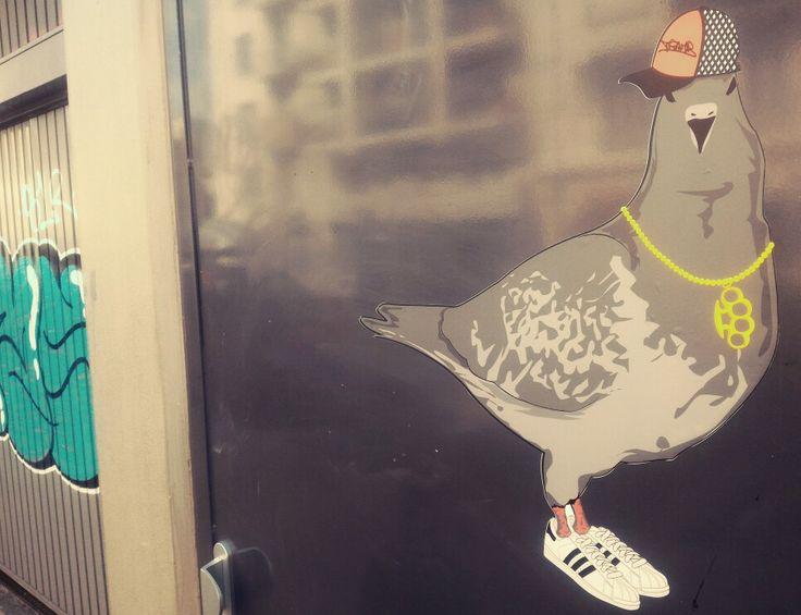 Oldschool pigeon - Street Art- sticker by Tramb