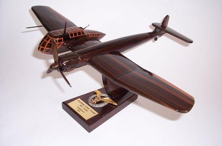Blohm & Voss BV 141 Flugzeug.Holzmodelle der deutschen Militärflugzeuge aus dem Ersten und Zweiten Weltkrieg