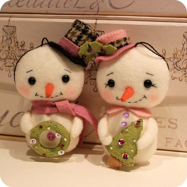 snow couple by Gingermelon, via Flickr
