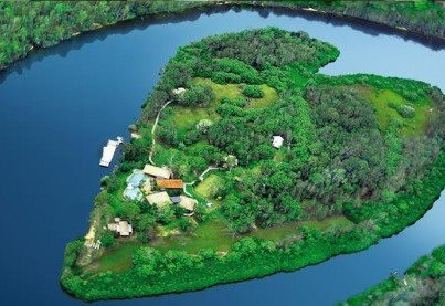 Makepeace Island, Noosa River, Australia Available for circumnavigation by stand up paddle board at high tide.
