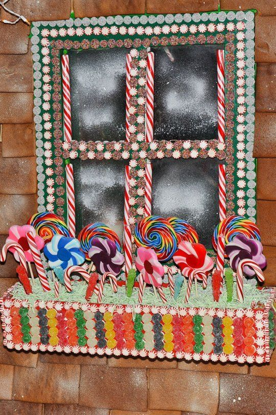 Look Life Sized Gingerbread Houses Window Boxes The O