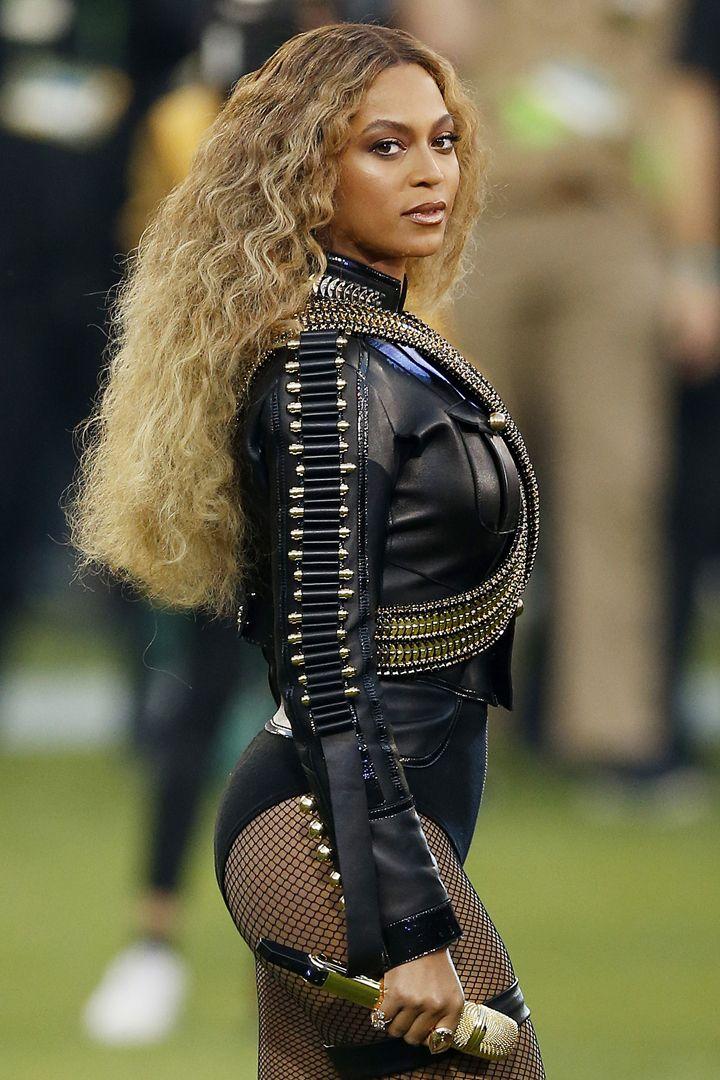 #Beyoncé Just Slayed the Super Bowl 50's Halftime Show #SB50