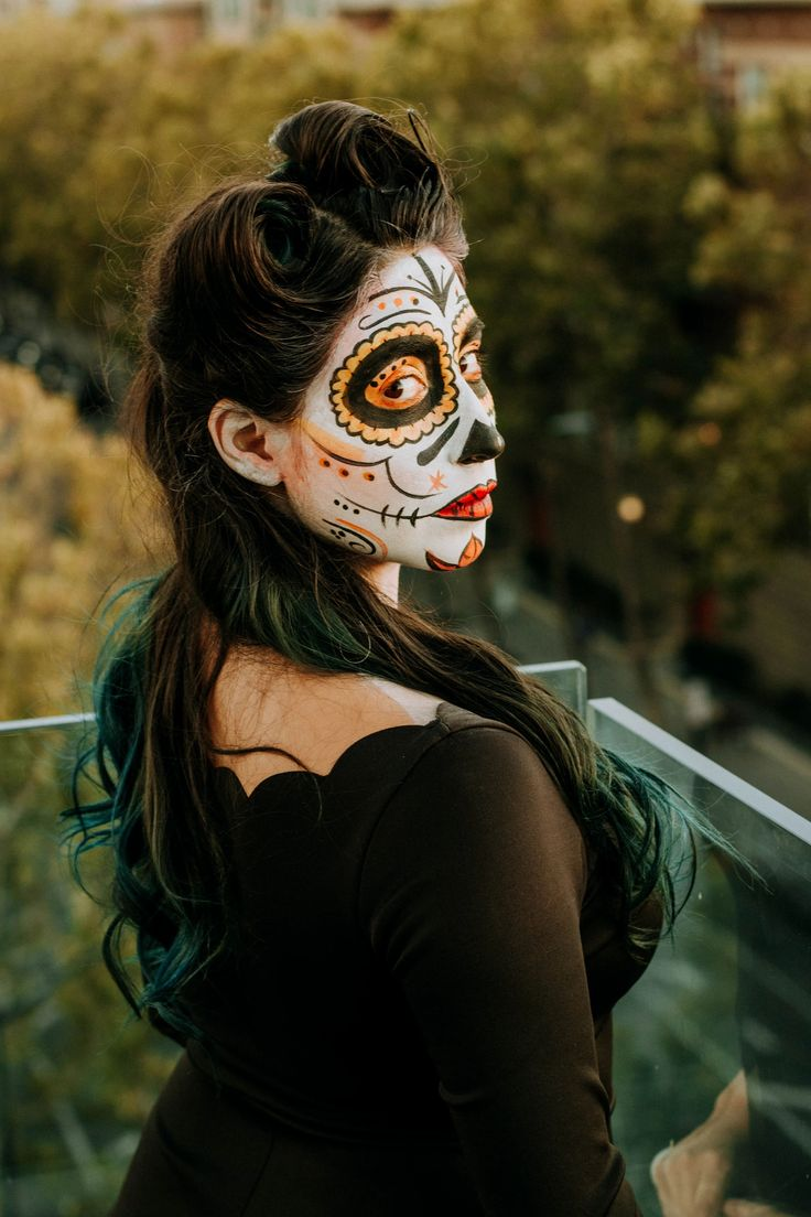 How I celebrate Día de Los Muertos - Design by Brianna Mexican Heritage, Hispanic Heritage Month, Modern Disney, San Jose, Instagram Story, The Past, Halloween Face Makeup, Skull, Sugar