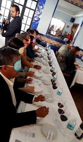 Sutiles juegos de fragancias. Instrucción de los sentidos. Cata -presentación en México con Andrés Amor, uno de los grandes sumilleres /chef del país. ¡Inolvidable!