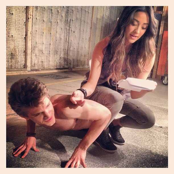 Keegan Allen and Shay Mitchell on set running lines #Keeganing #behindthescenesS3
