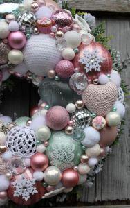 Wianek świąteczny mięta z różem-wianki świąteczne,ozdoby świąteczne,dekoracje na Boże Narodzenie